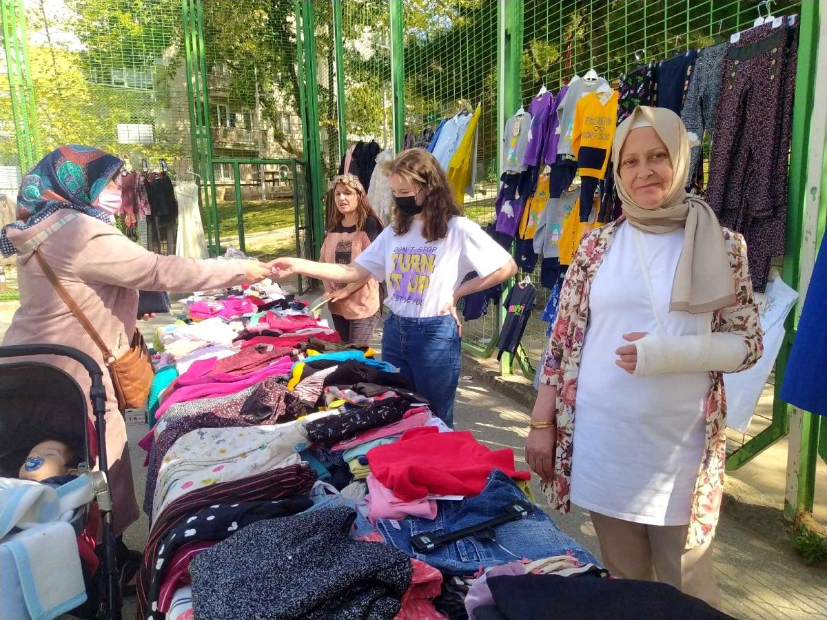Bursalılar, üniversite öğrencileri ve engelliler için hayır panayırı açtı