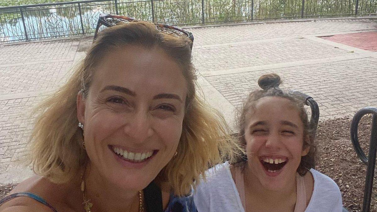 Ceyda Düvenci kızı Melisa ile Amerika'da