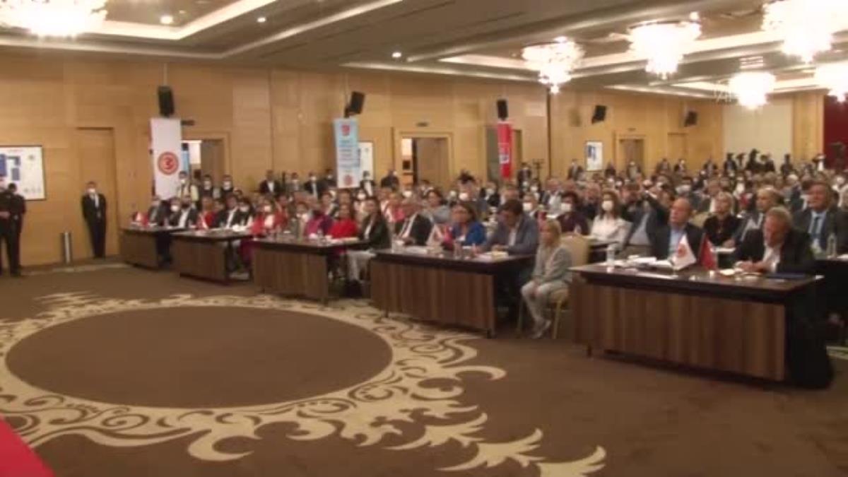 CHP Genel Başkanı Kılıçdaroğlu, milletvekili eşleri ile bir araya geldi