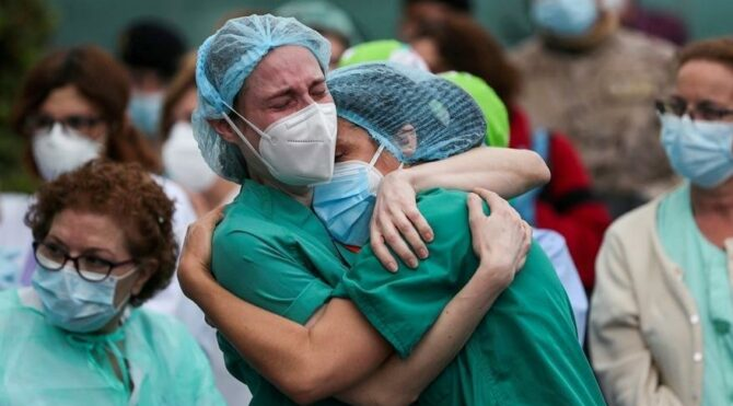 Corona'dan ölen sağlıkçı sayısı 445'e yükseldi