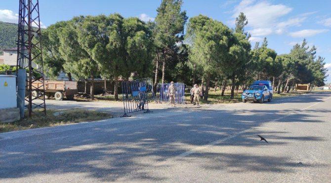 Coronaya yakalanan anne ve kızın yaşadığı mahalle karantinaya alındı