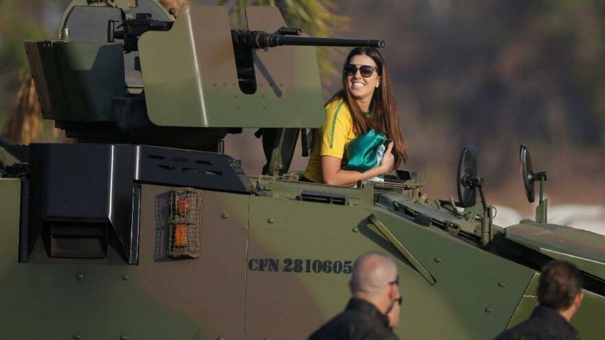Darbe Hazırlığında Olduğu İddia Edilmişti: Brezilya Devlet Başkanı Bolsonaro'nun Destekçileri Sokağa Çıktı