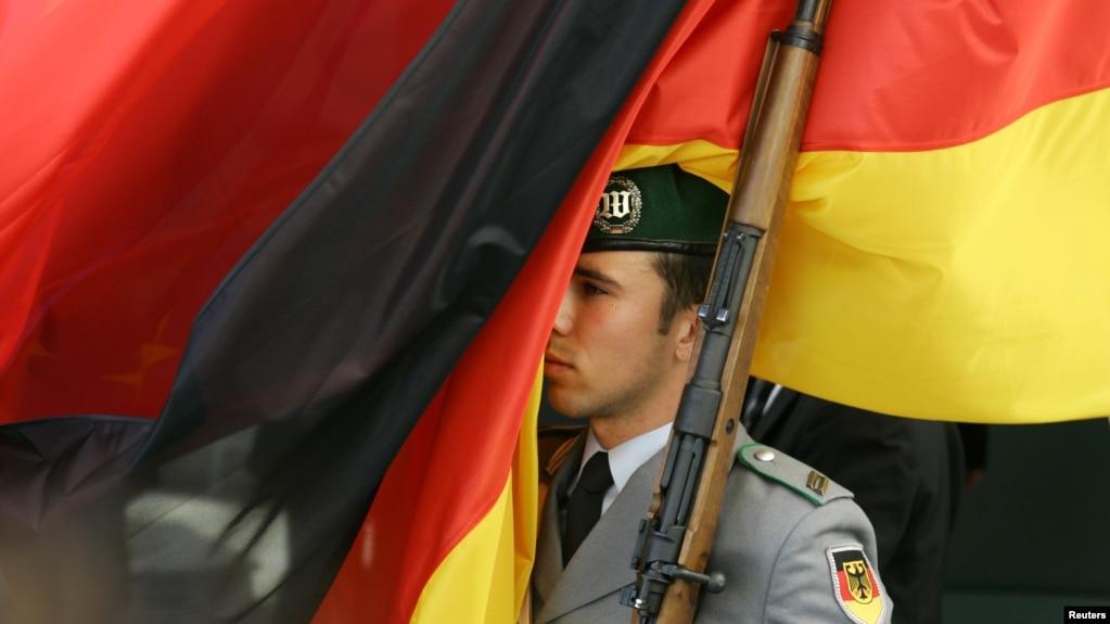 Darbenin Ayak Sesleri mi? Almanya'da Eski Askerler 'Ayaklanma Planlıyor' İddiası