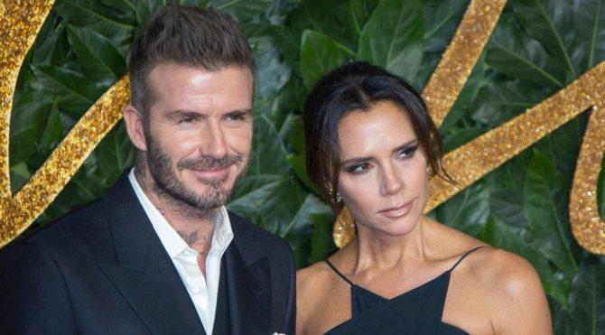 David Beckham eşi Victoria Beckham'ın kalçalarını paylaştı
