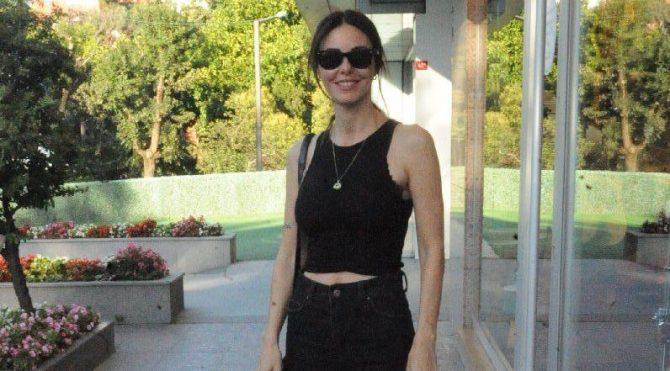Defne Samyeli, ev sahibi ve Cem Yılmaz hakkında açıklamalar yaptı