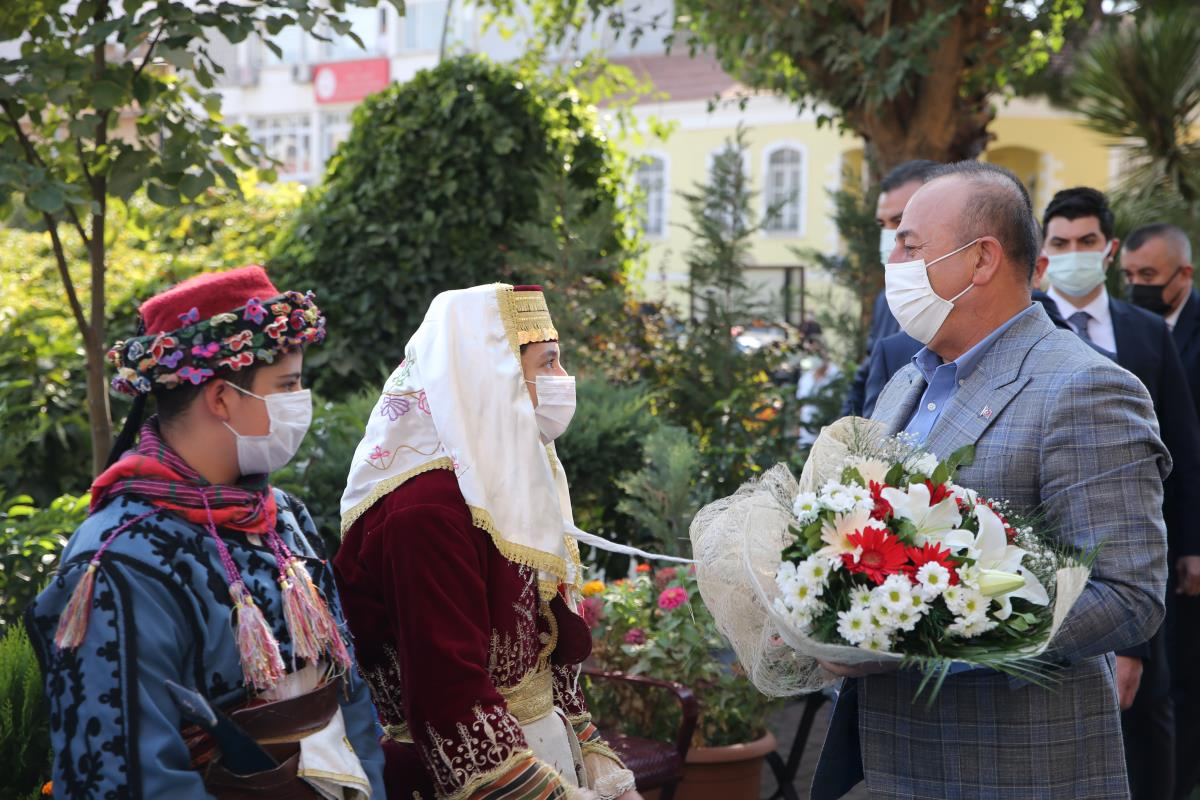 Dışişleri Bakanı Çavuşoğlu, Aydın'da iş dünyası temsilcileriyle buluştu: (1)