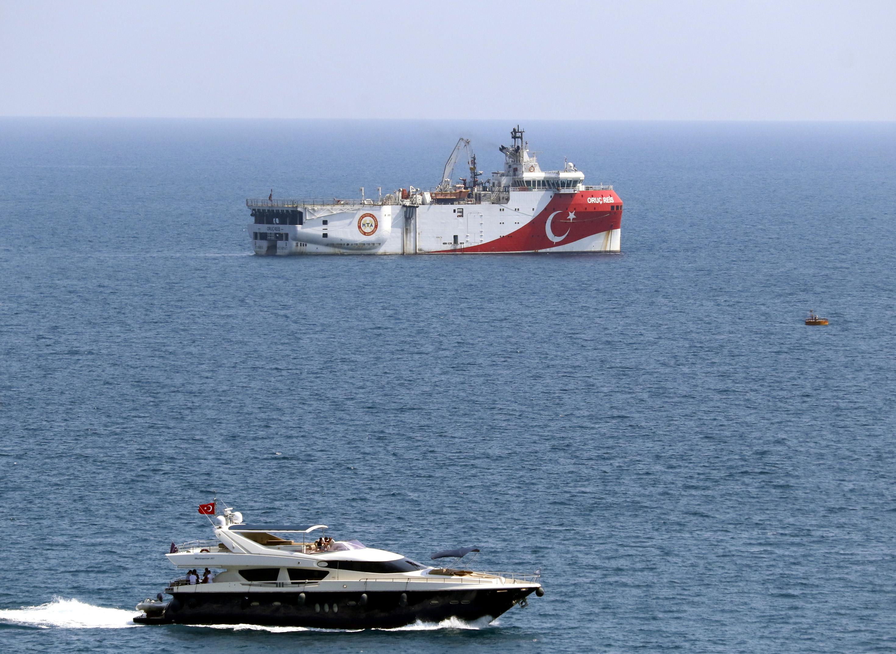 Dışişleri Bakanı Çavuşoğlu: 'Doğu Akdeniz'de Geri Adım Atmadık, Oruç Reis Bakım İçin Limana Çekildi'