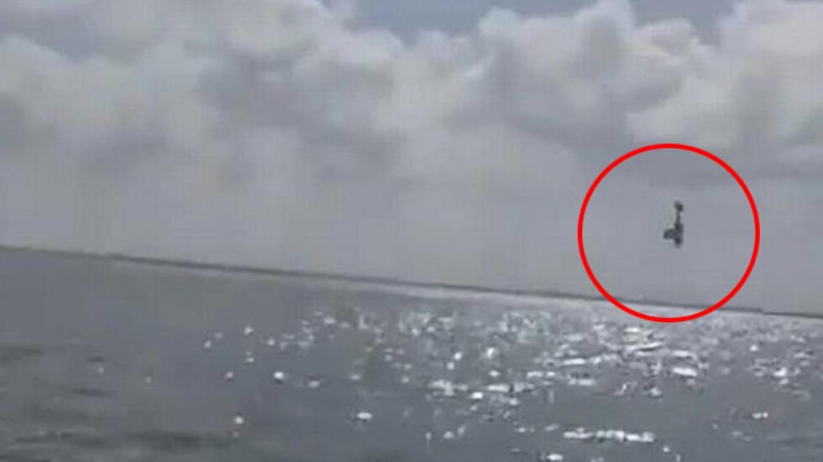 Doğacak bebekleri için düzenledikleri parti faciayla sonuçlandı! Gösteri uçağı gözlerinin önünde denize çakıldı