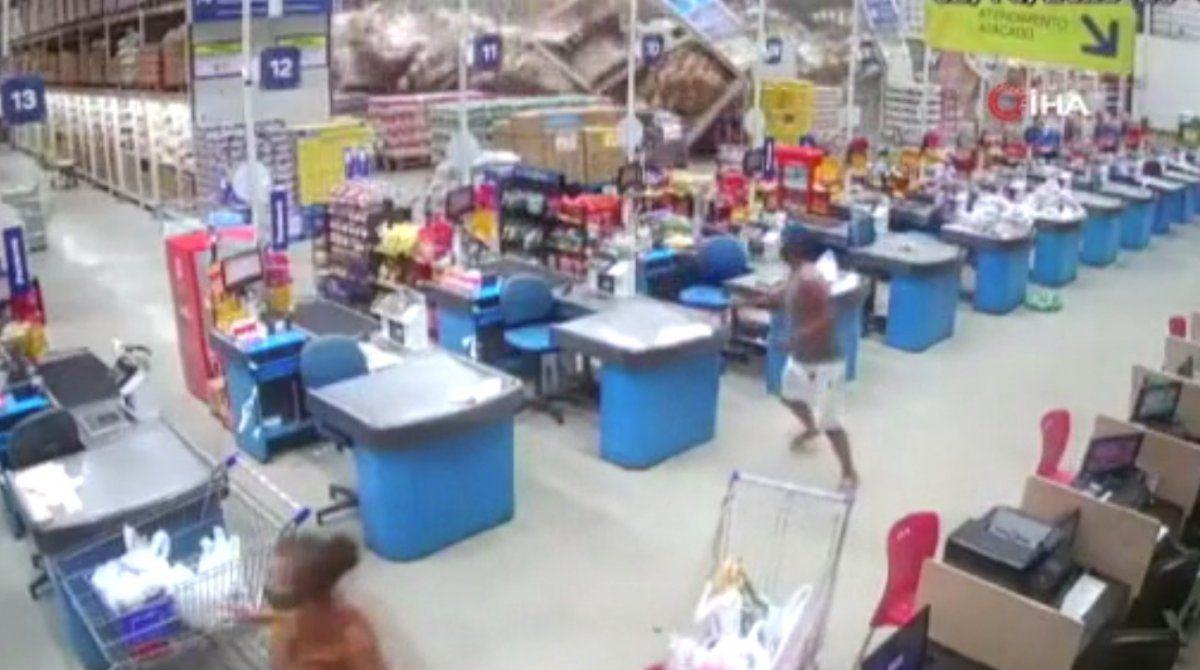Domino Taşı Gibi Devrilen Süpermarket Rafları
