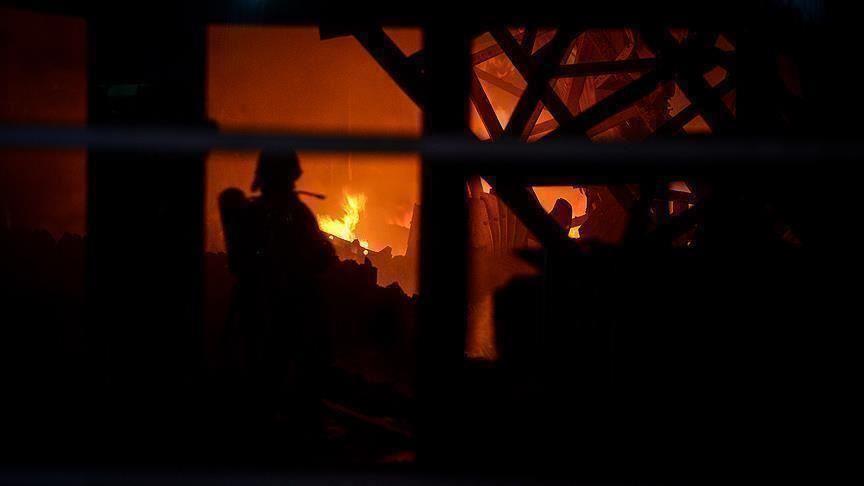 Dumanlar Kilometrelerce Öteden Görüldü: Fransa'da 8 Bin Metrekarelik Depoda Yangın Çıktı