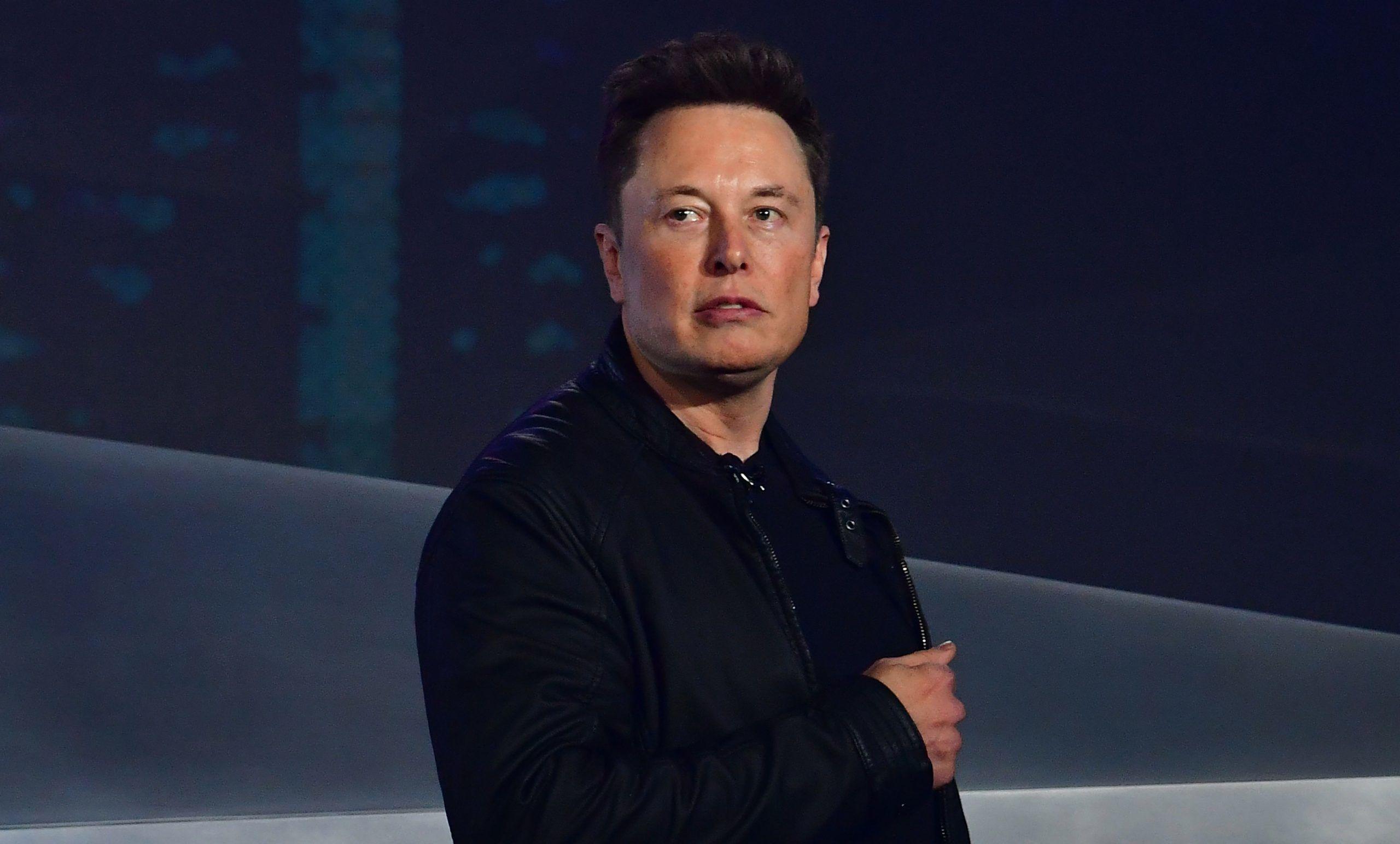 Elon Musk Koltuğunu Kaybetti: Moda Devi Ünlü Girişimciyi Geçti