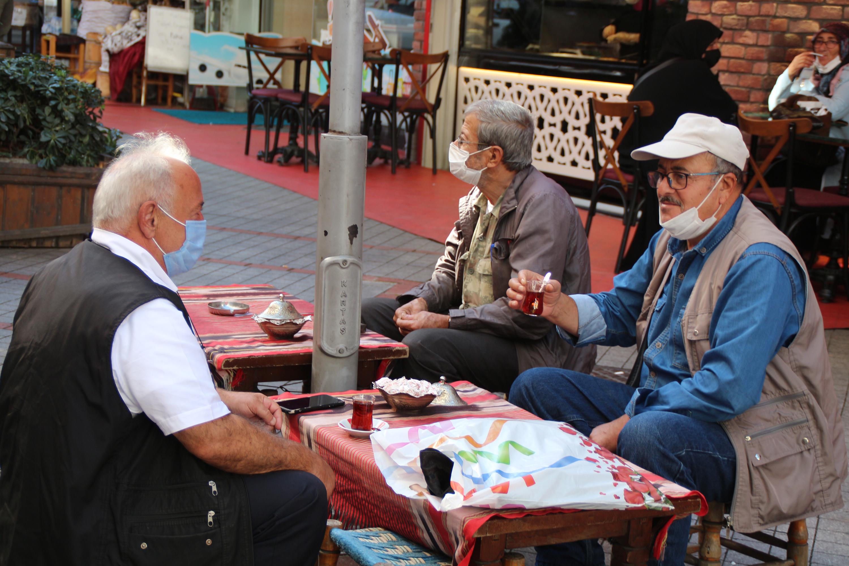 En Çok Vaka Görülen İller Arasındaki Rize'de 'Çay Sohbetleri' Yasaklandı