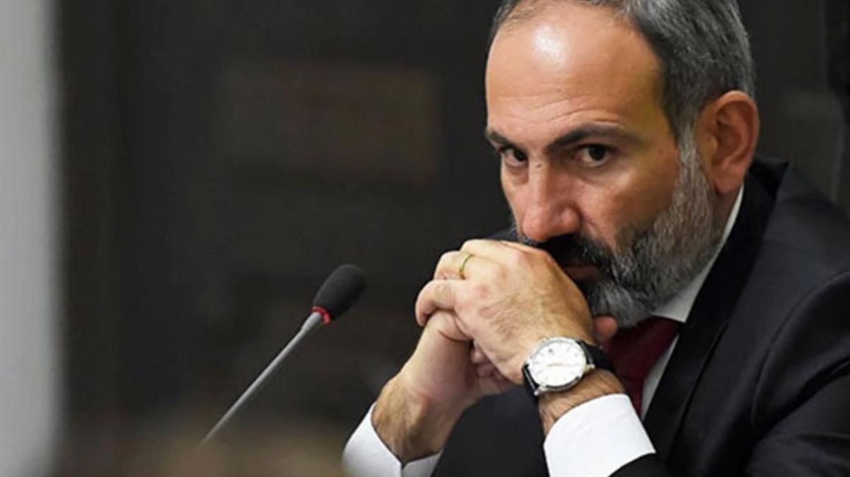 Ermenistan'da Paşinyan'ın istifasını isteyen protestocular hükümet binasına girmeye çalıştı
