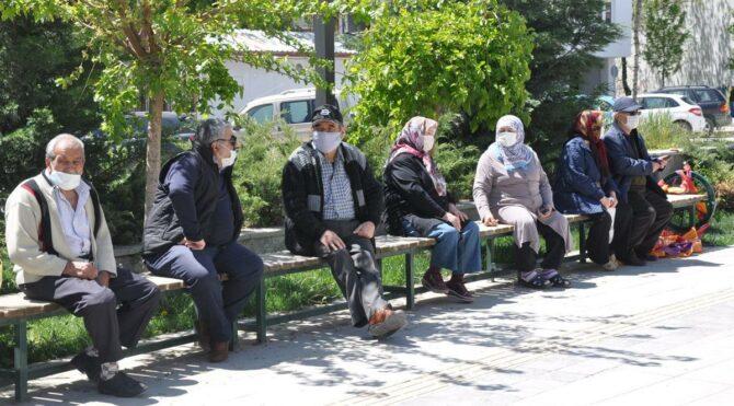 Eskişehir'de 65 yaş üstü vatandaşlara yeniden kısıtlama