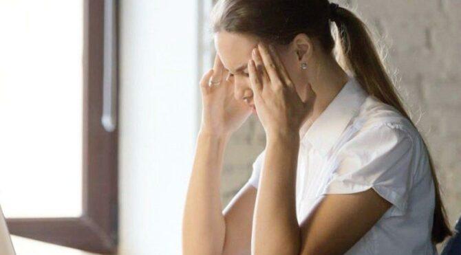 Evden çalışırken migreni önlemenin 8 etkili yolu