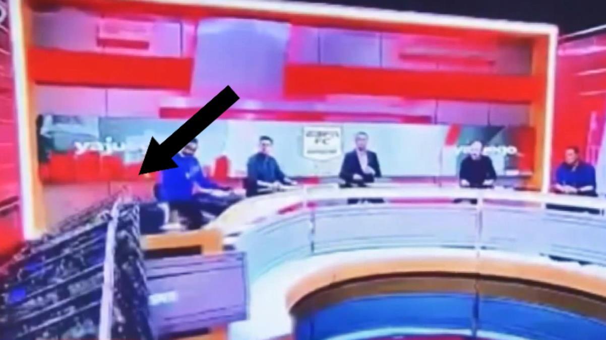 Faciadan dönüldü! Canlı yayında konuğun üzerine dev ekran düştü