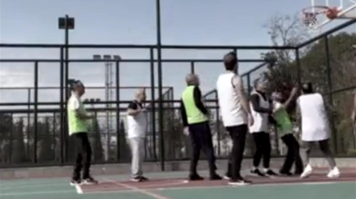 Fahrettin Altun, Cumhurbaşkanı Erdoğan'ın basketbol oynadığı görüntüleri yayınladı