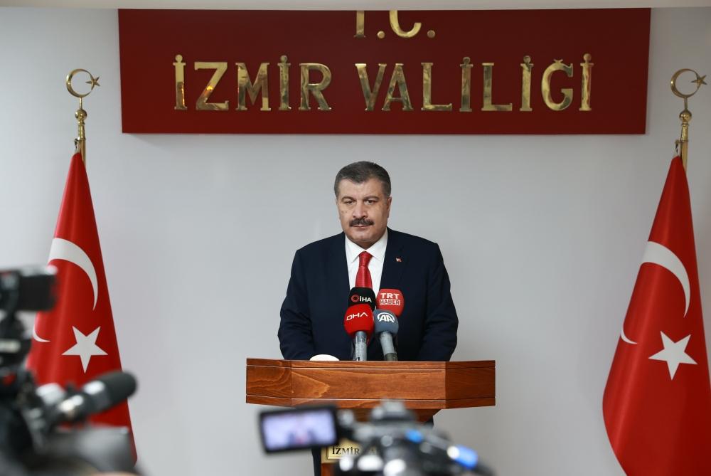 Fahrettin Koca'dan İzmir Ziyareti: 'İlimizdeki Vaka Sayıları Bir Önceki Aya Göre Yüzde 42 Arttı'