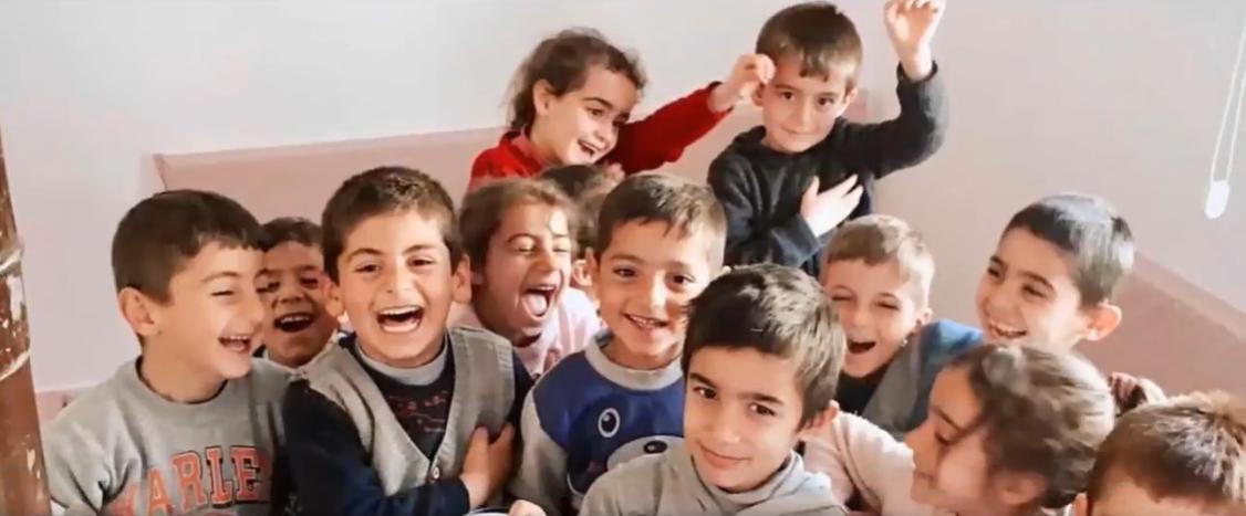 Fenerbahçe'nin Senegalli Futbolcusu Mame Thiam'ın Kar Amacı Gütmeyen Kuruluşu Diyarbakır'da Okul Yeniledi