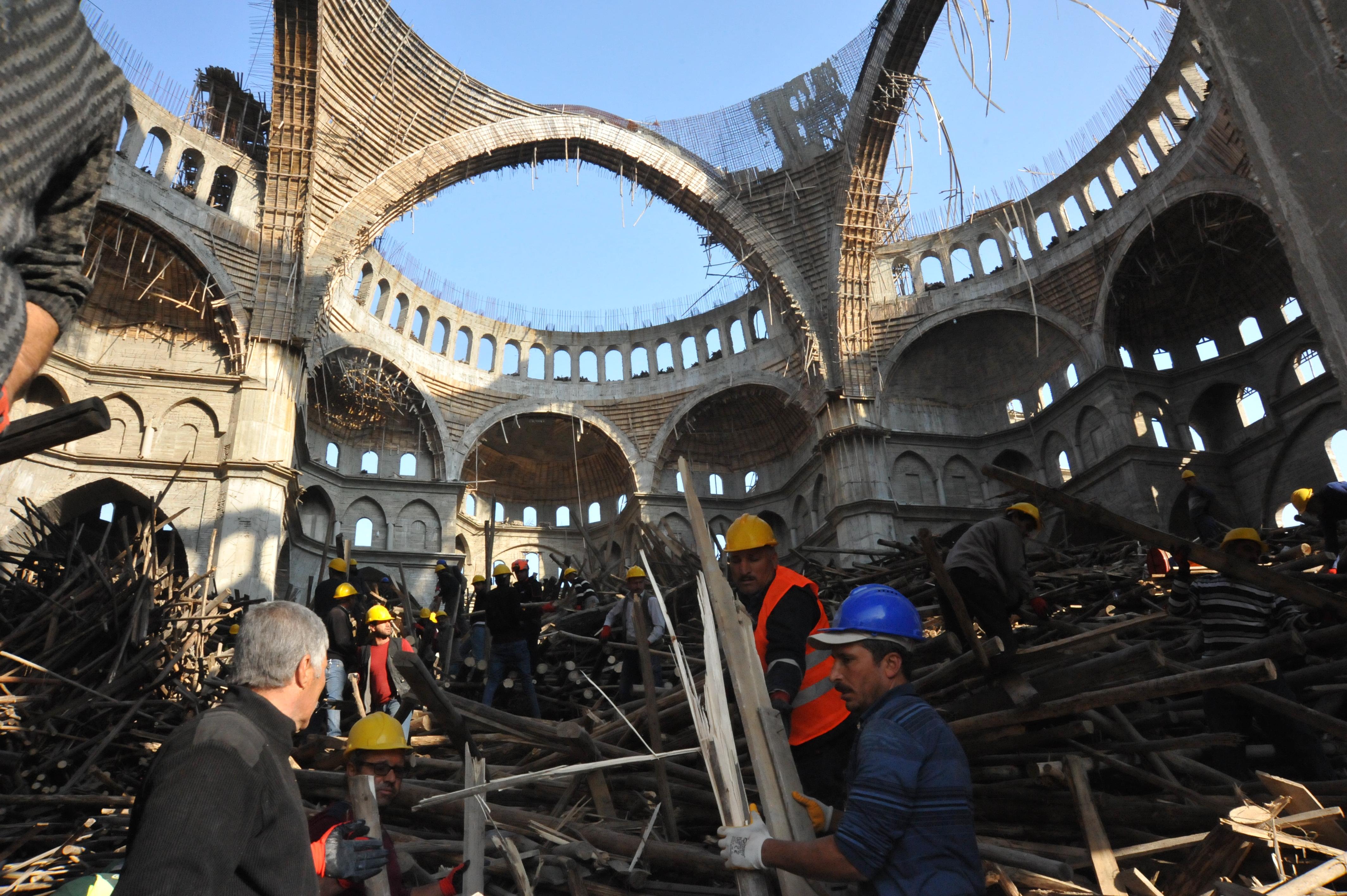 Gaziantep'te Cami İnşaatında İskele Çökmüştü: Enkaz Altında Kalan Mühendisi Arama Çalışmaları Sürüyor