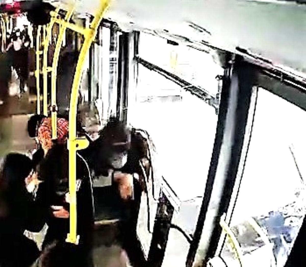 Halk otobüsündeki panik anları kamerada