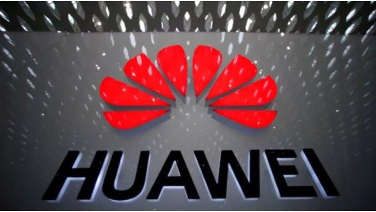 Huawei'nin düşüşü sürüyor