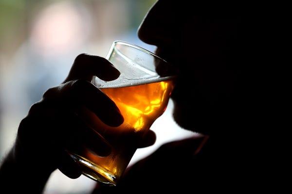 İş Yerinde İçki İçen Çalışana Yargıtay'dan Kötü Haber
