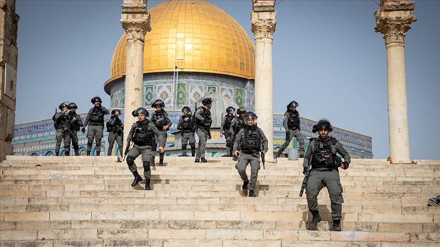 İsrail Polisinden Mescid-i Aksa'ya Yeni Saldırı