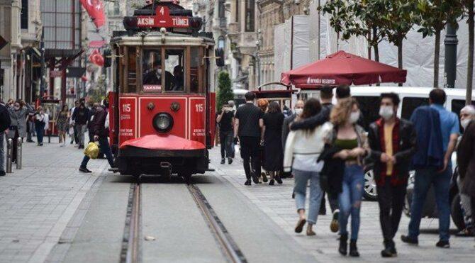 İstanbul için korkutan açıklama: Vakalar 50'nin üzerinde arttı, 4. dalga tehlikesi var
