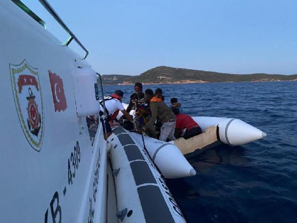 İzmir'de 81 kaçak göçmen kurtarıldı