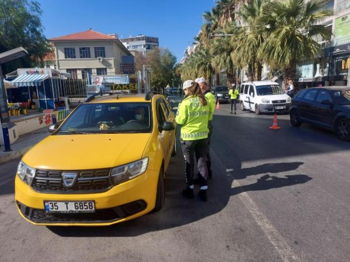 İzmir'de sivil polisler yolcu gibi taksilere binip, 18 şoföre ceza kesti
