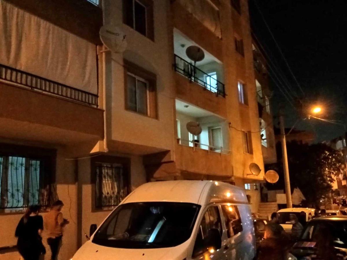 İzmir'de tartışma sonrası bir erkeği bıçaklayarak öldüren kadın tutuklandı