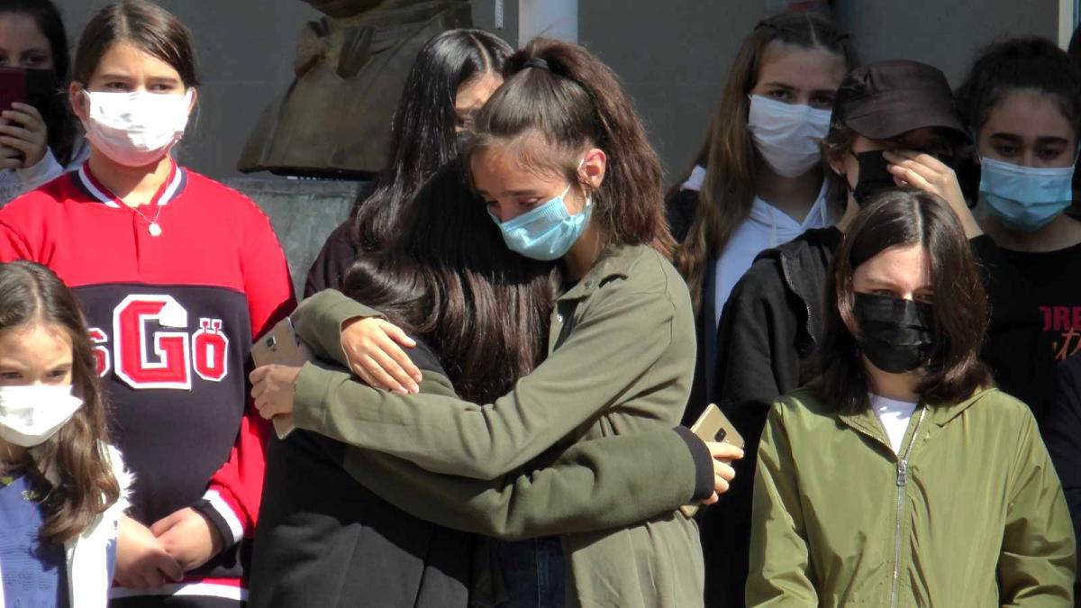 Kalp krizi geçiren öğretmene öğrencilerinden hüzünlü veda