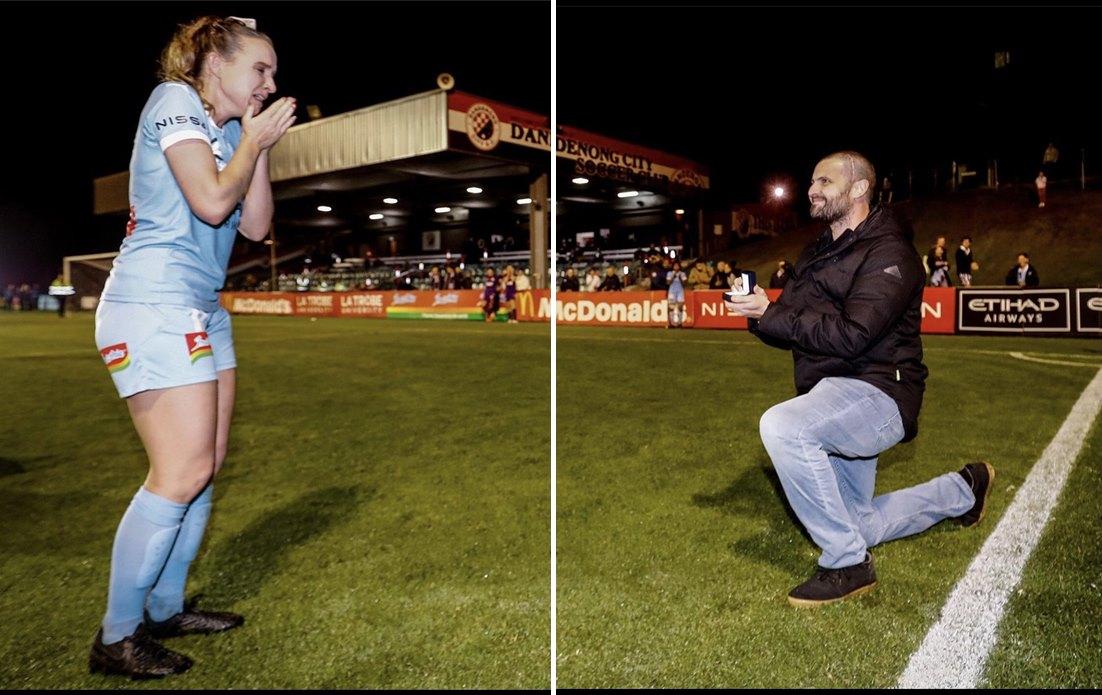 Kanser Olan Erkek Arkadaşına Destek Olmak İçin Futbolu Bırakan Kadın Son Maçında Gol Atıp Evlilik Teklifi Aldı