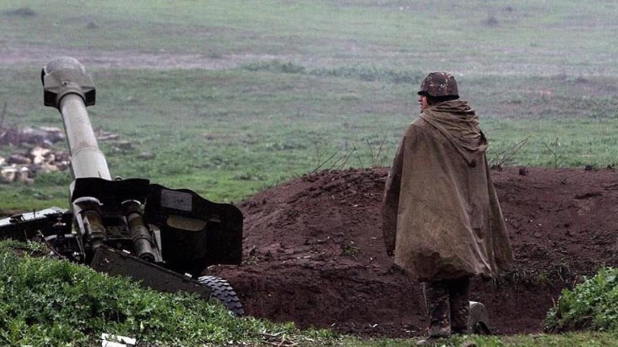 Karabağ'da 1 Azerbaycan askeri şehit oldu