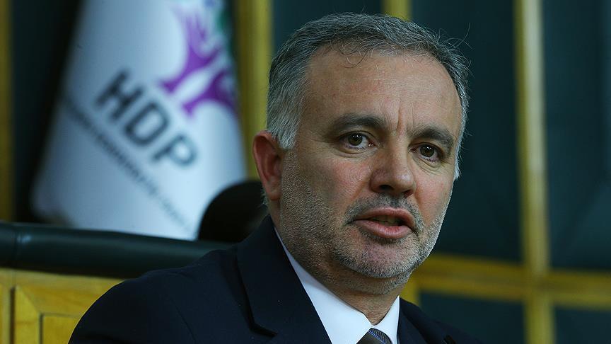 Kars Belediye Başkanı Ayhan Bilgen, İstifa Edeceğini Açıkladı: 'Demokrasicilik Oynanacak Yaşı Geçtim'