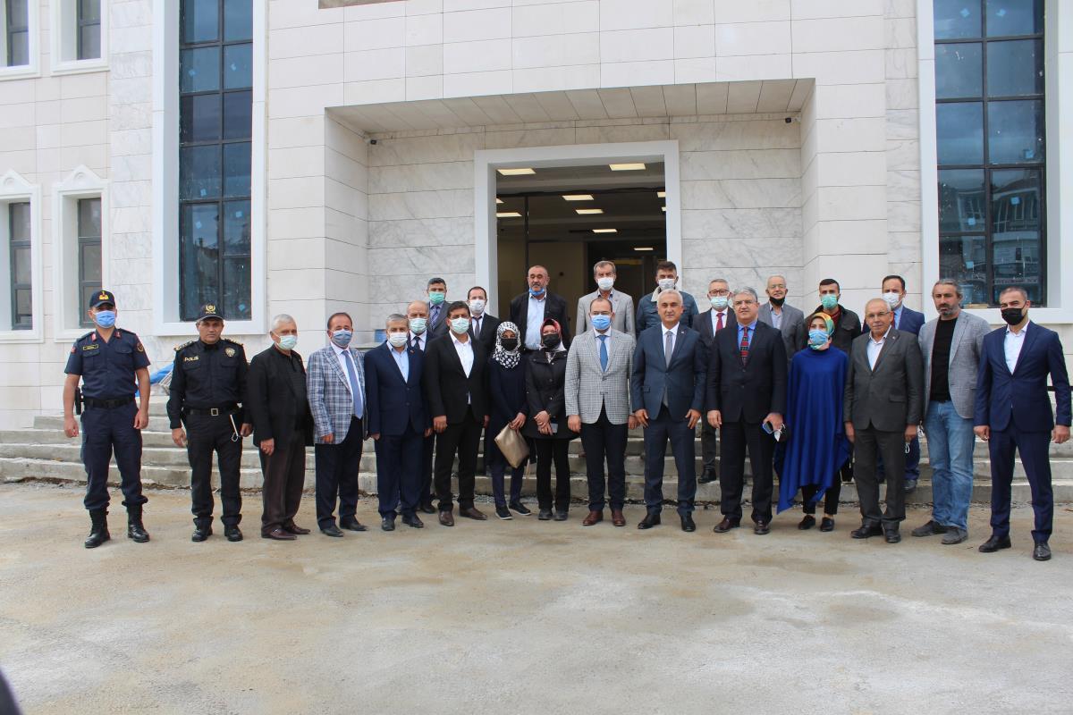 Kastamonu Valisi Çakır, Tosya ilçesinde ziyaretlerde bulundu