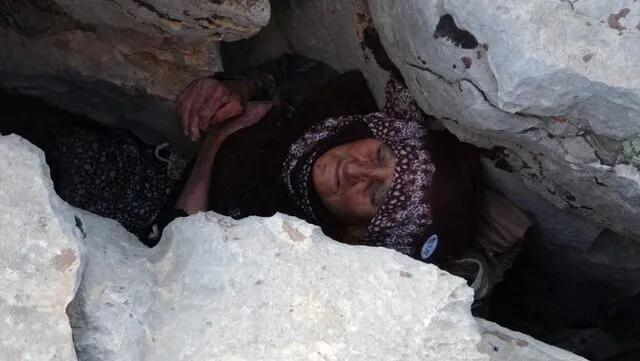 Kayalıkların Arasına Sıkışan 81 Yaşındaki Kadın 3 Gün Sonra Kurtarıldı