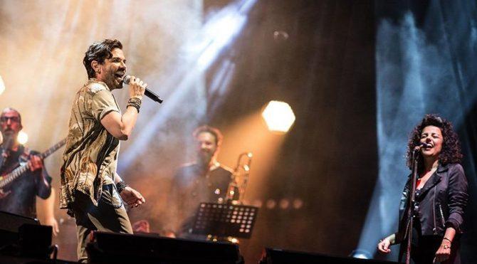 Kenan Doğulu, Türkiye'nin birincil arabalı açık hava konserinde sahne aldı