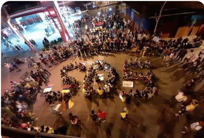 Kolombiya'da Şiddet Olaylarına Sahne Olan Protestolar Büyüyor