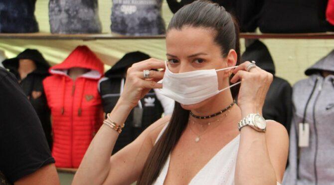 Konuşurken ıslanan maske hemen değiştirilmeli