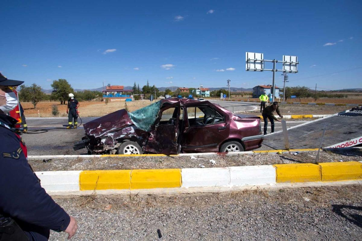 Konya'da cip ile otomobil çarpıştı: 8 yaralı