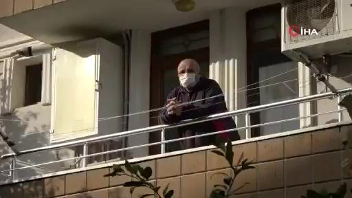 Korona'ya Yakalanıp Günlerce Yoğun Bakımda Yatan Adam Şimdi Balkonda: 'Kızım, Kızım! Lütfen Mesafeli Yürüyün'