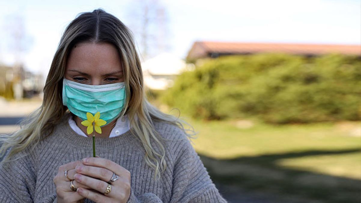 Koronanın en önemli belirtisiydi! İsveç'te 300 bin kişi koku kaybı yaşıyor