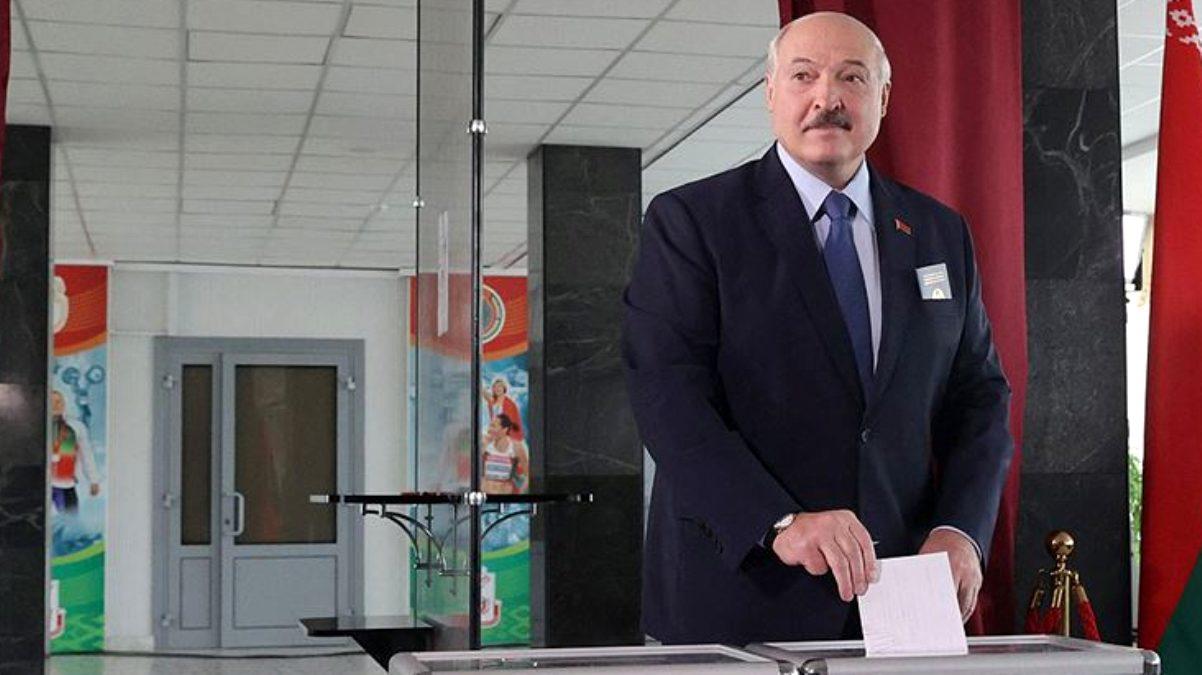 Lukaşenko, Belarus'ta yeni seçim talebini kabul etti