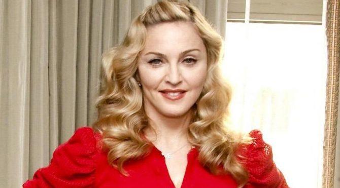 Madonna, Londra'da düzenlenen George Floyd protestolarına katıldı