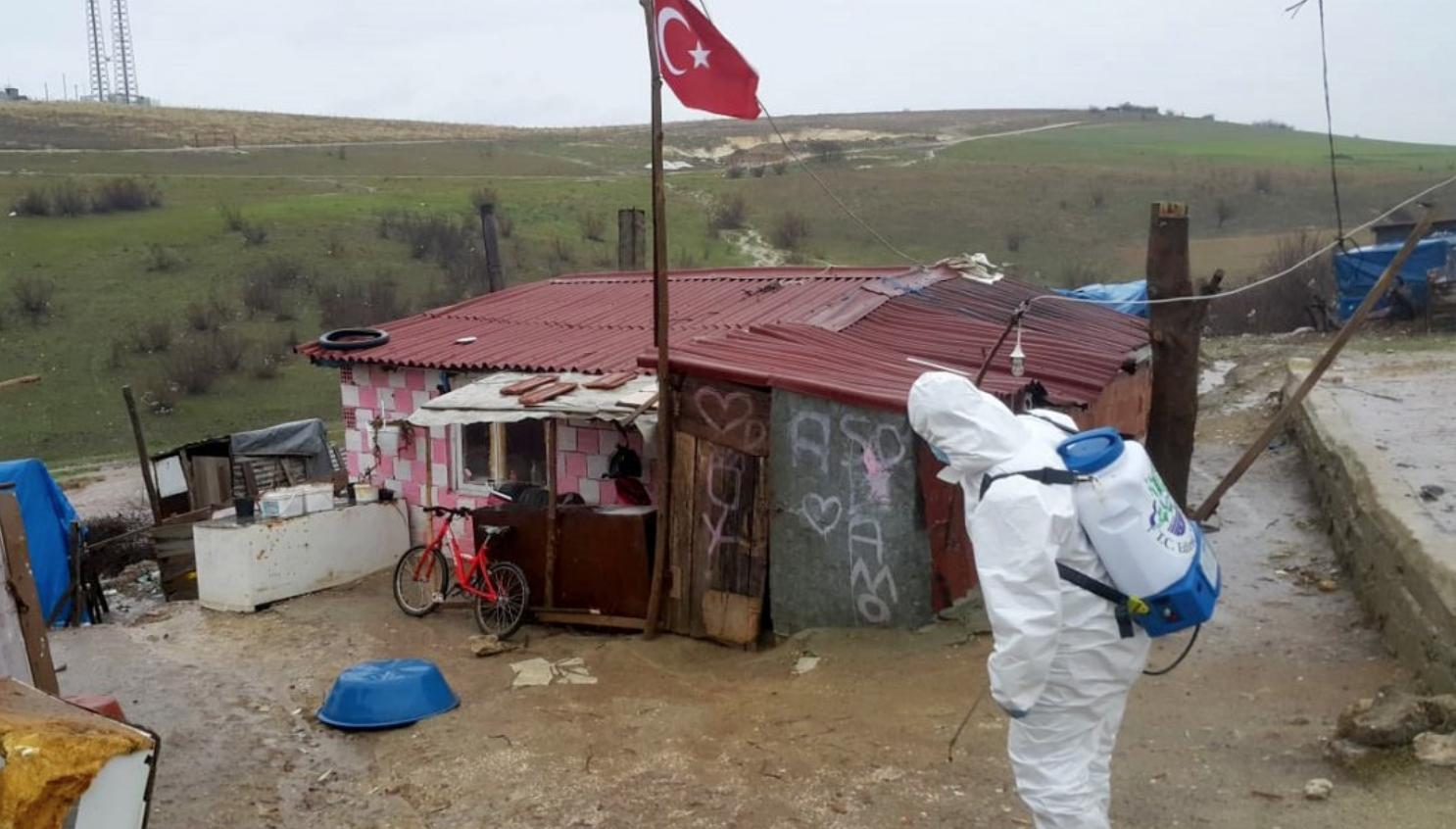 Mahalle Karantinaya Alındı: Edirne'de Bebek Ziyaretine Giden Kişi 37 Kişiye Koronavirüs Bulaştırdı...