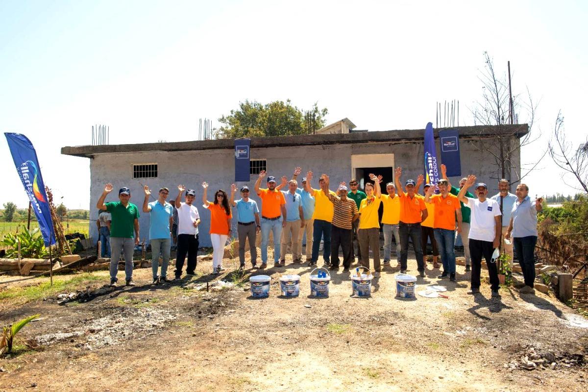 Manavgat'ta yangın sebebiyle hasar gören yaşam alanlarına boya desteği