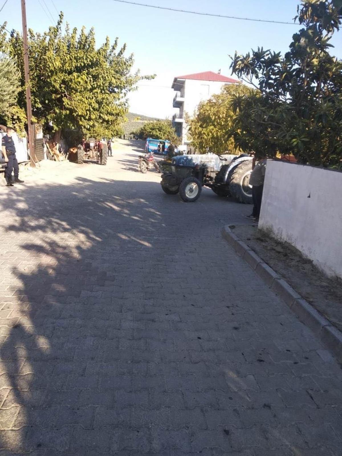 Manisa'da traktörle motosikletin çarpışması sonucu 1 kişi öldü, 2 kişi yaralandı