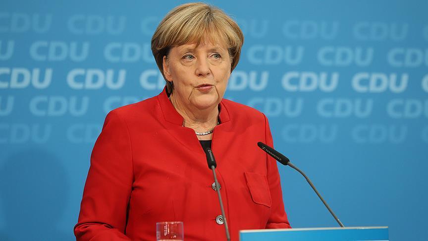 Merkel'den Taliban Çağrısı: 'Afganistan'daki Kazanımların Korunması İçin Görüşülmeli'